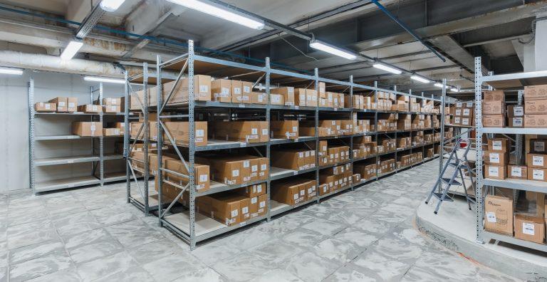 Комплектующие на складе